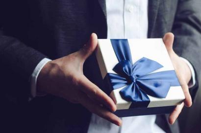 Cum alegi cadoul perfect pentru EL
