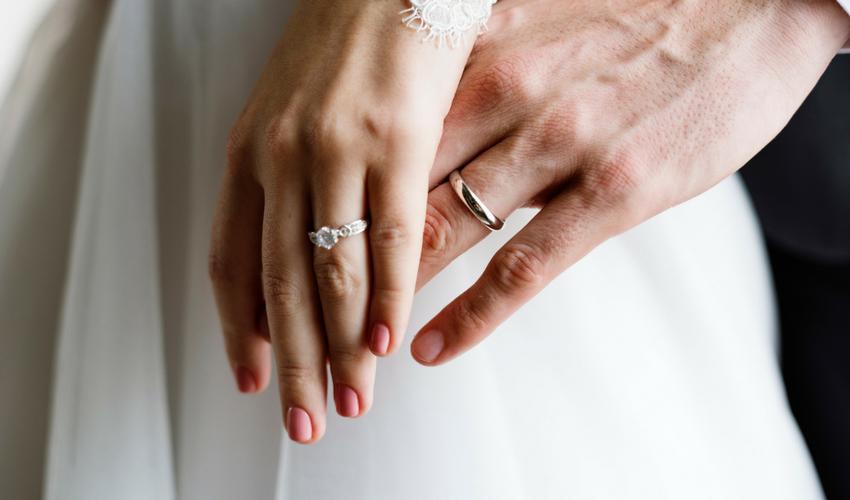 5 lucruri pe care sa le faceti imediat dupa ce v-ati logodit