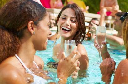 5 idei pentru o petrecere a burlacitelor de neuitat